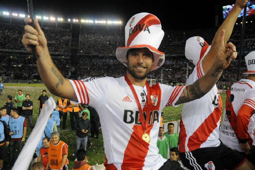 Cavenaghi, campeón de la Copa Libertadores 2015<br>