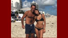 Diego Latorre, junto a su hija Lola en Miami