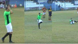 El árbitro se cayó y tambaleó durante gran parte del encuentro