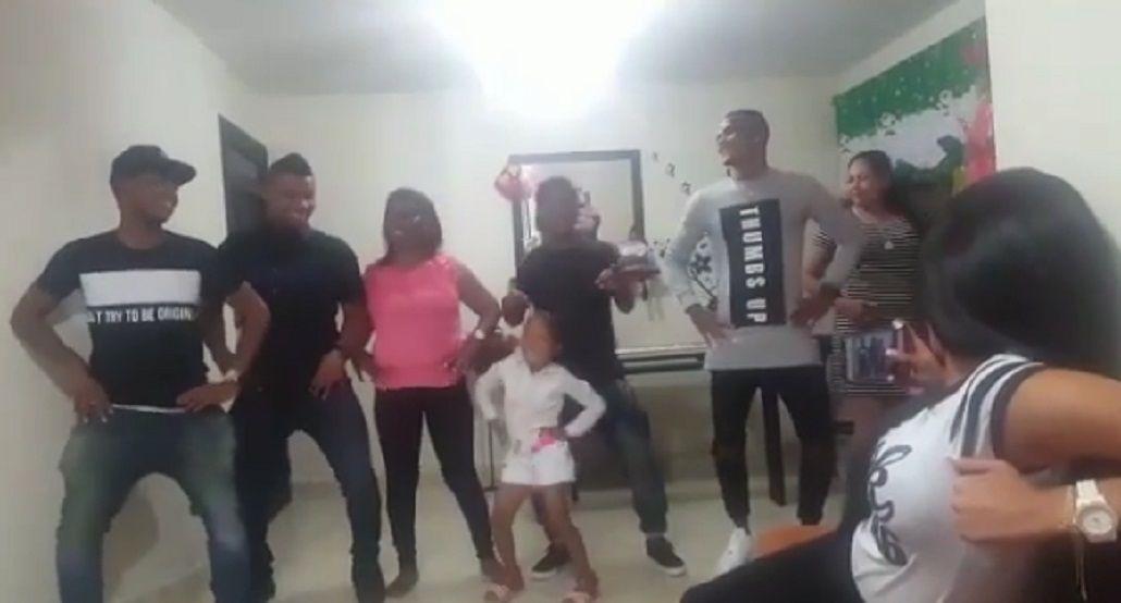 El baile familiero de Fabra en sus vacaciones