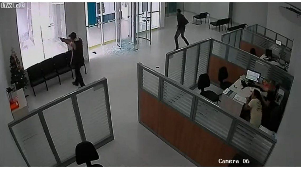 Un seguridad frustra un banco en Brasil