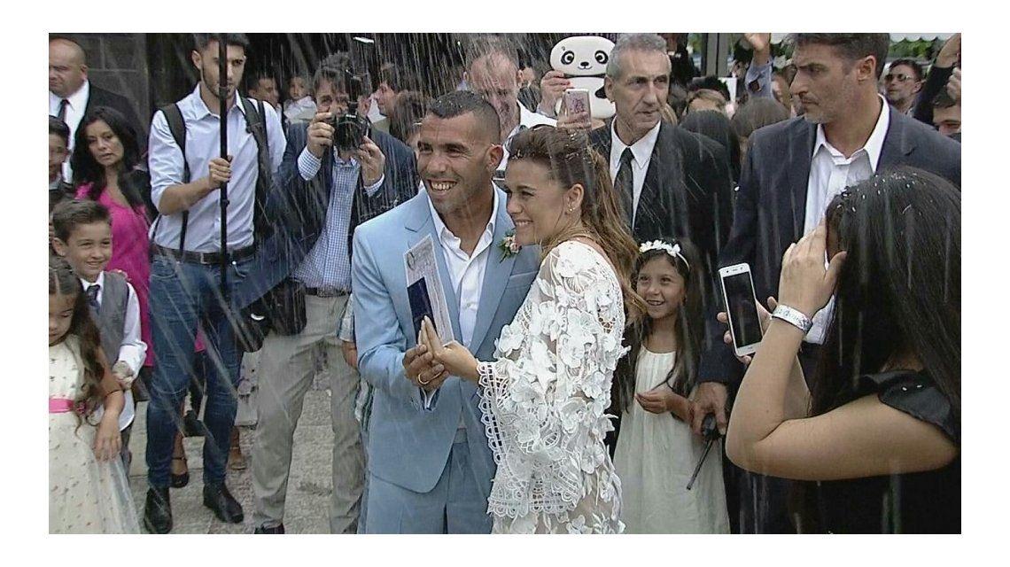 Carlos Tevez se casó con Vanesa Mansilla