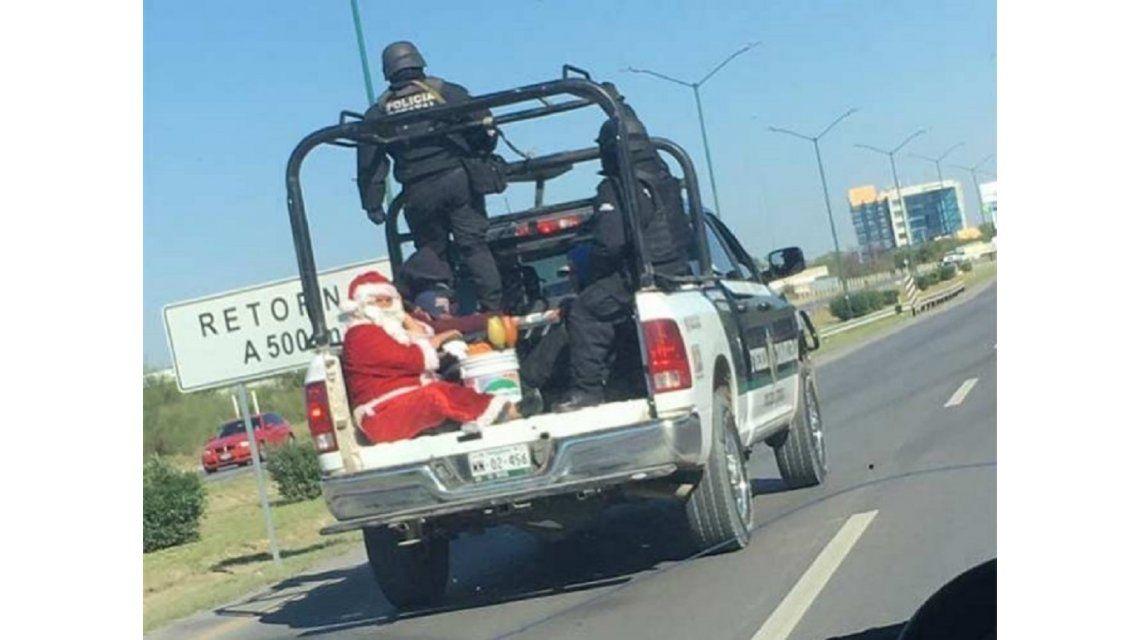 La imagen de Papá Noel detenido que se volvió viral