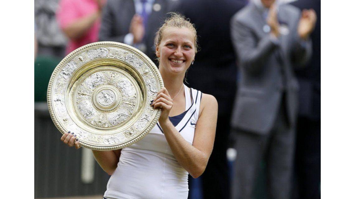 Petra Kvitova, doble campeona de Wimbledon, fue apuñalada en su casa