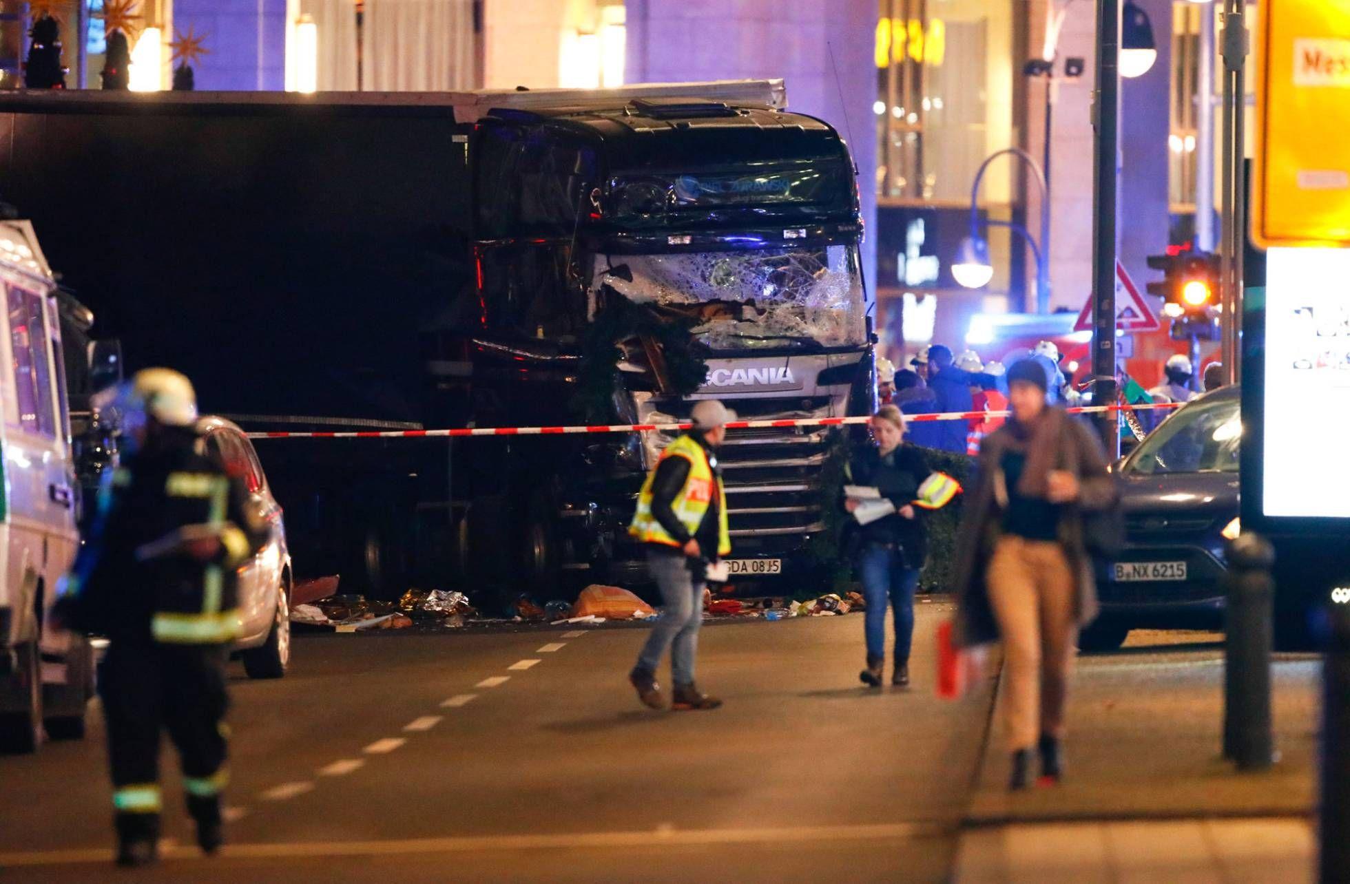 Camión embistió contra mercado en Berlín