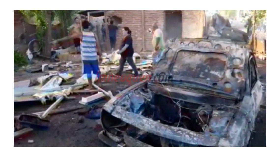 Vecinos de un barrio echaron a una familia ladrona