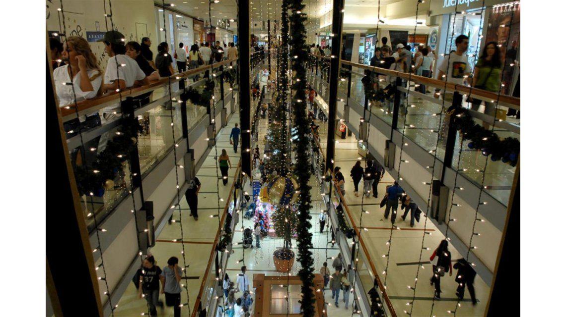 Más de siete de cada 10 argentinos modificarán sus hábitos de compra en Navidad