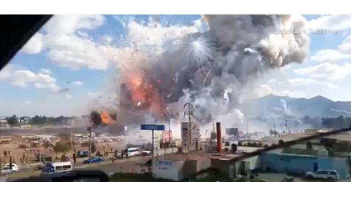 Al menos 26 muertos  y 70 heridos por una explosión en México