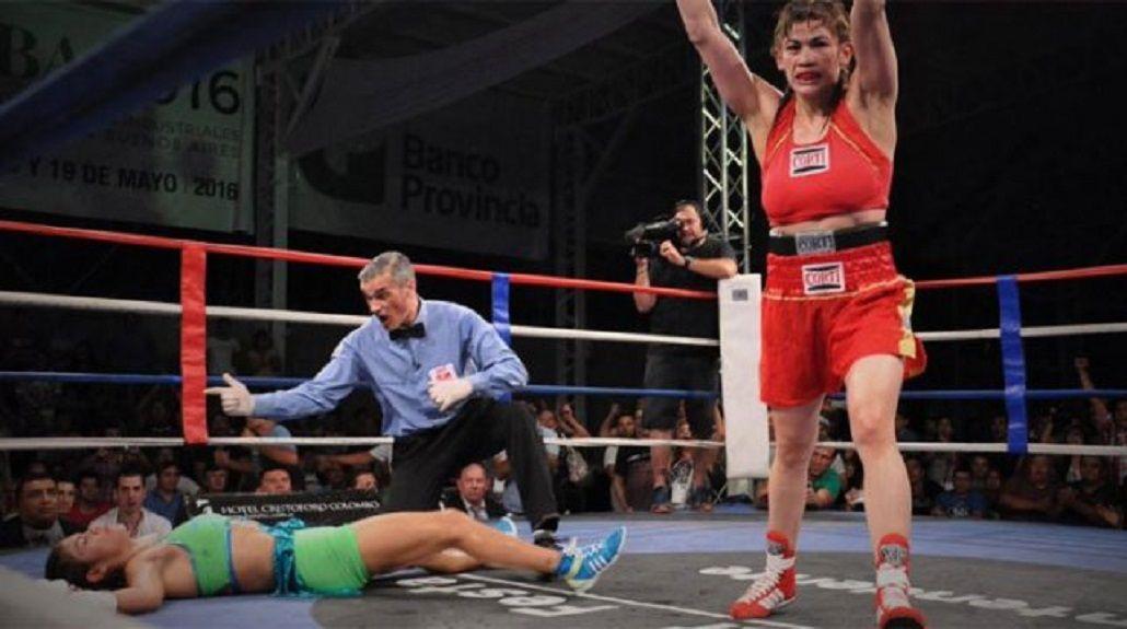 La Tigresa Acuña se coronó campeona con 40 años