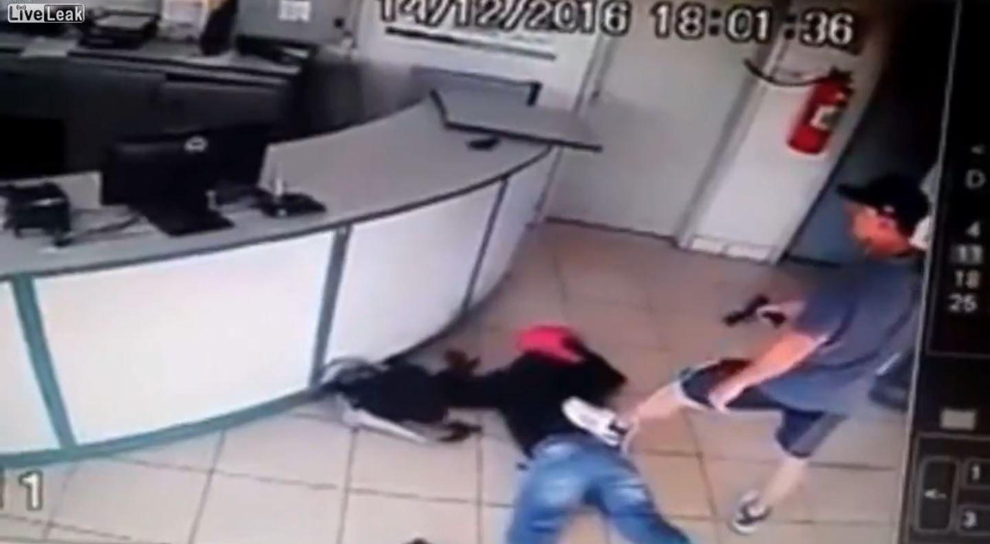 Un militar de civil le disparó en la mano a un delincuente