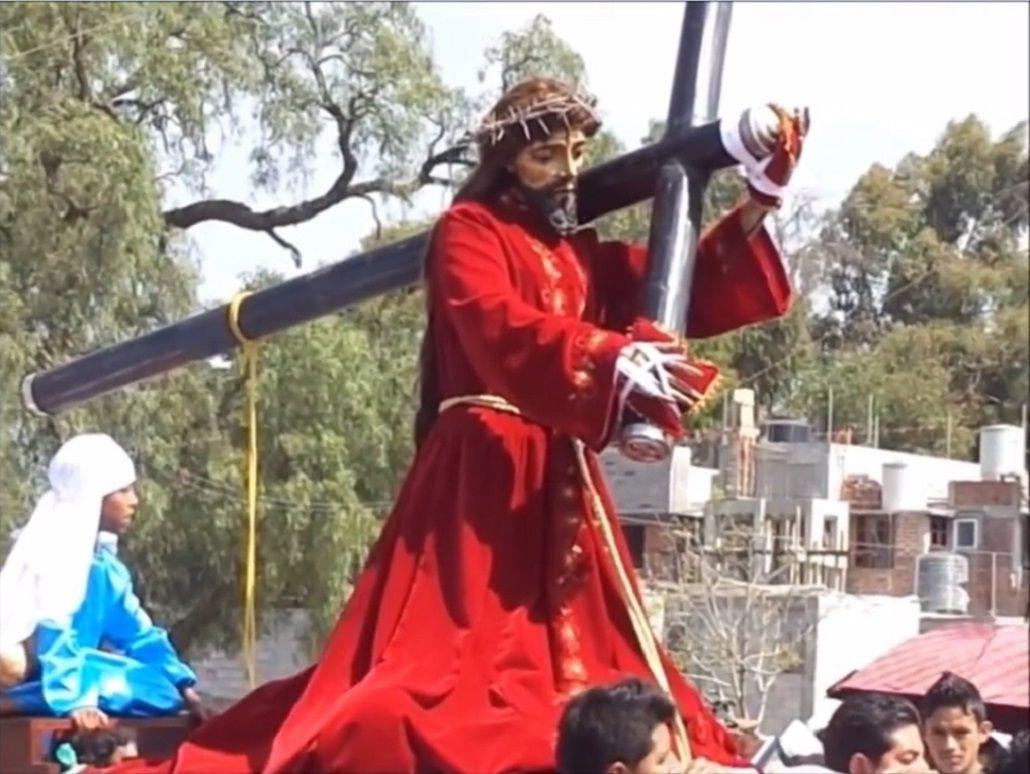 El video en el que una escultura de Jesucristo mueve la cabeza se volvió viral a pocos días de la Navidad