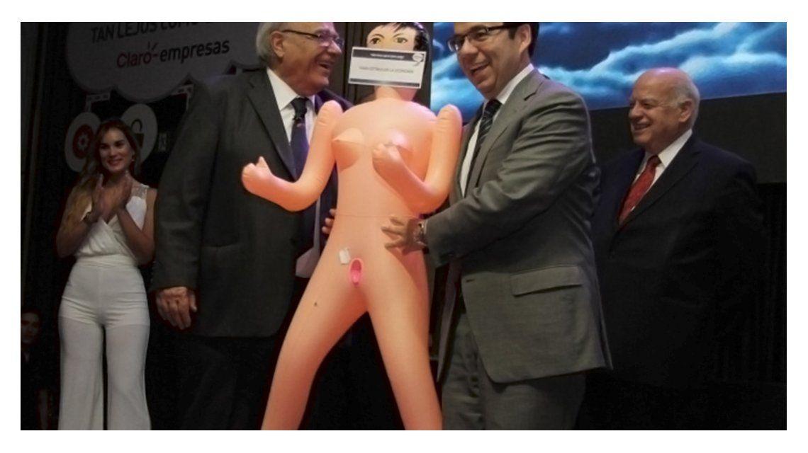 El regalo generó polémica entre los funcioncionarios chilenos