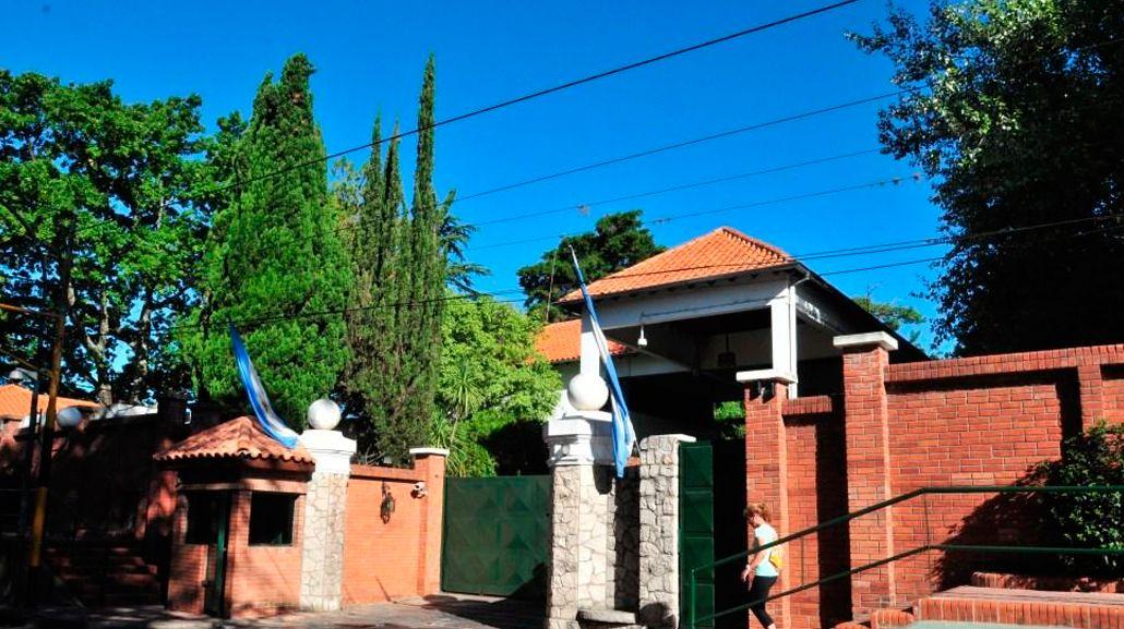 Se rompió un caño cerca de la Quinta Presidencial y no hay agua en Vicente López y Olivos.