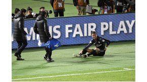 El portugués anotó, con suspenso, el segundo tanto