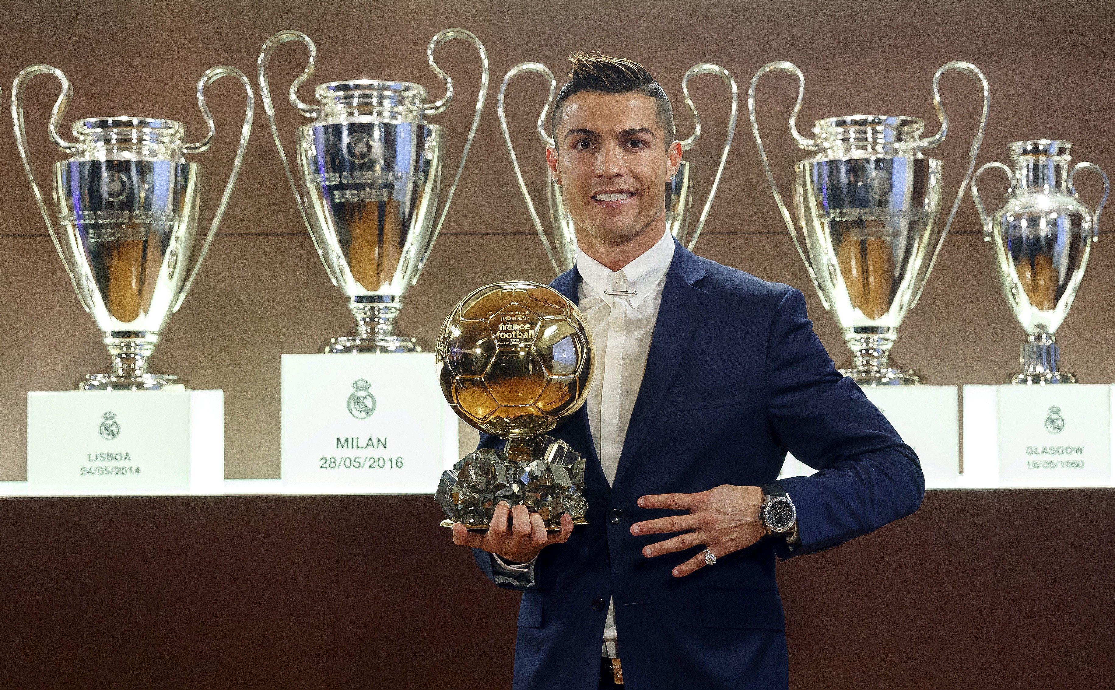 El portugués va por su 4º Balón de Oro y acecha a Messi