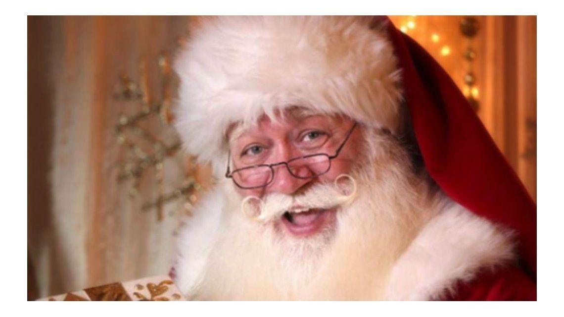 Eric Schmitt-Matzen se disfrazó de Papá Noel para cumplir el sueño de un niño