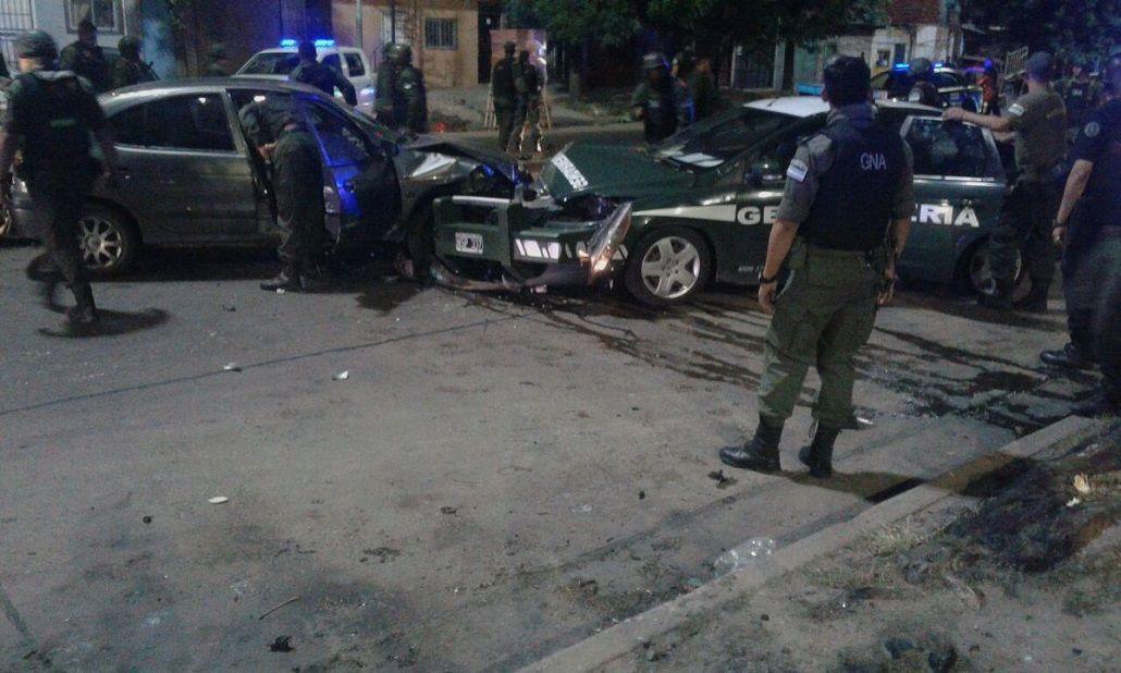 Un móvil de Gendarmería quedó destrozado