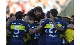 Los jugadores de Boca festejan, en el Monumental, la victoria en el Superclásico por 4 a 2, ante River.