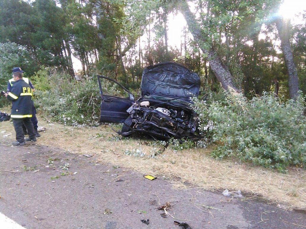 Dos hermanas murieron en un accidente en la ruta 2.