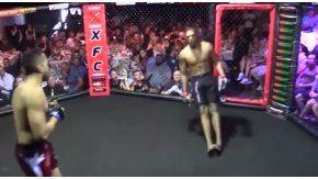 Un luchador de la MMA se desmayó en el primer asalto.
