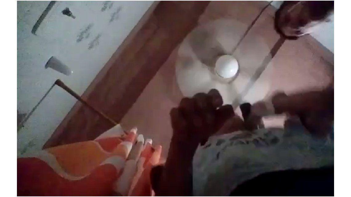 Un chico de 12 años filmó sin querer una entradera a su casa