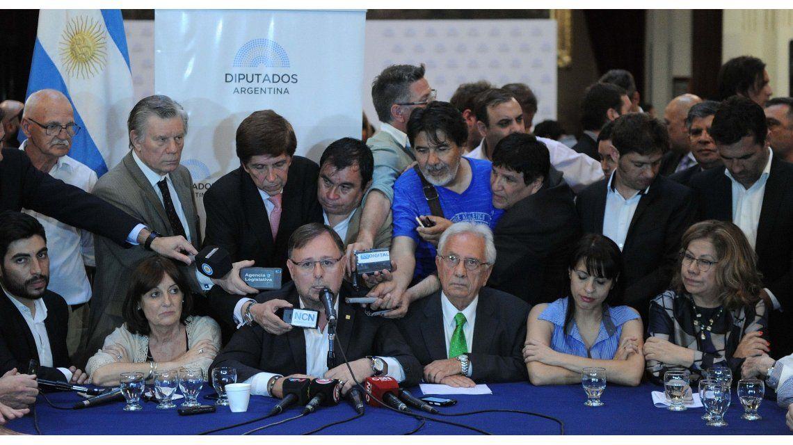 Acuerdo opositor: el aguinaldo no pagará Ganancias y piso de $33.500 para solteros