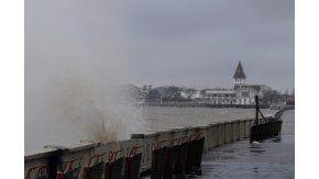 Fuertes vientos en la Costanera