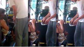Dos estudiantes le regalaron unas zapatillas a un nene descalzo
