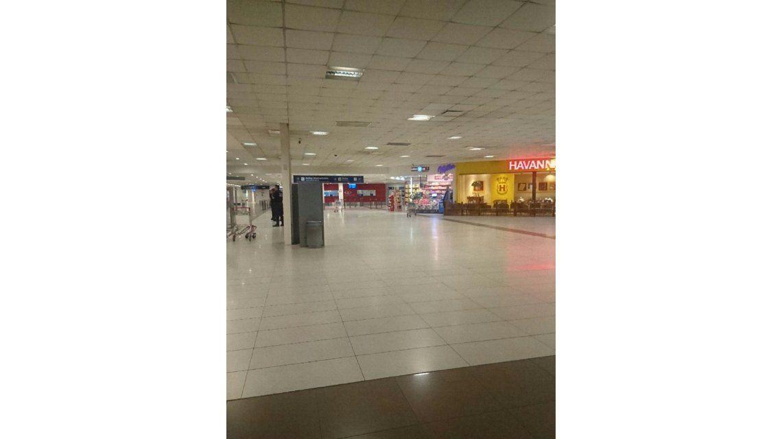 Así quedó la terminal A del Aeropuerto Internacional de Ezeiza tras la amenaza de bomba