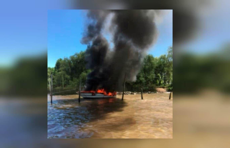 Incendio embarcaciones en San Fernando