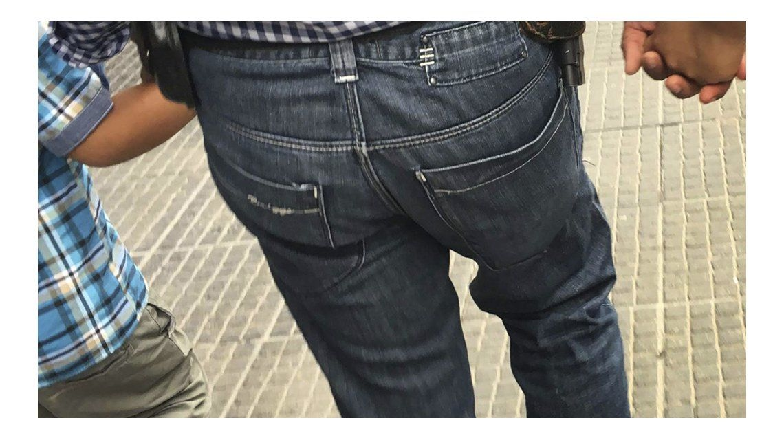 La polémica foto que abrió el debate en Tucumán.