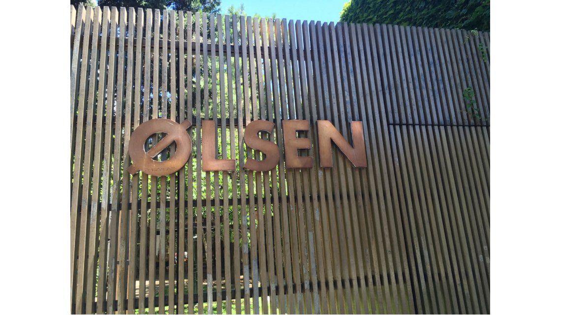 Escrachan restaurante Olsen