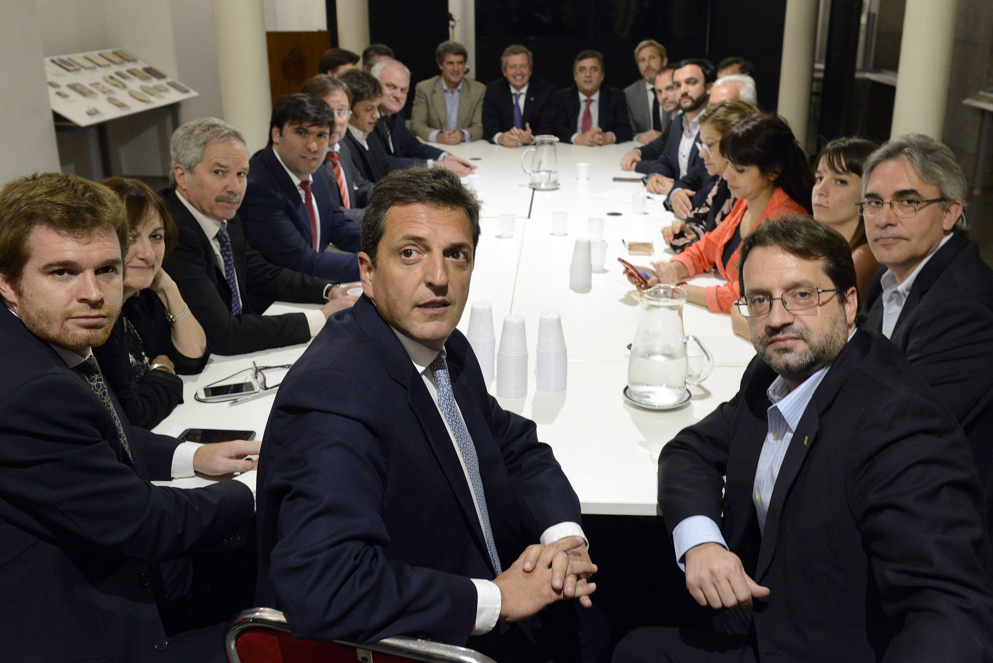 Debate de bloques para llegar a un acuerdo por la rebaja del impuesto a las Ganancias