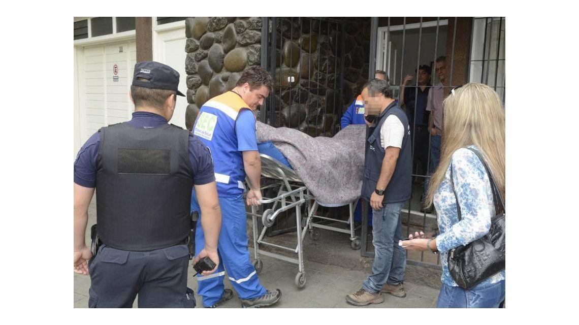 El médico fue trasladado lesionado desde su consultorio.