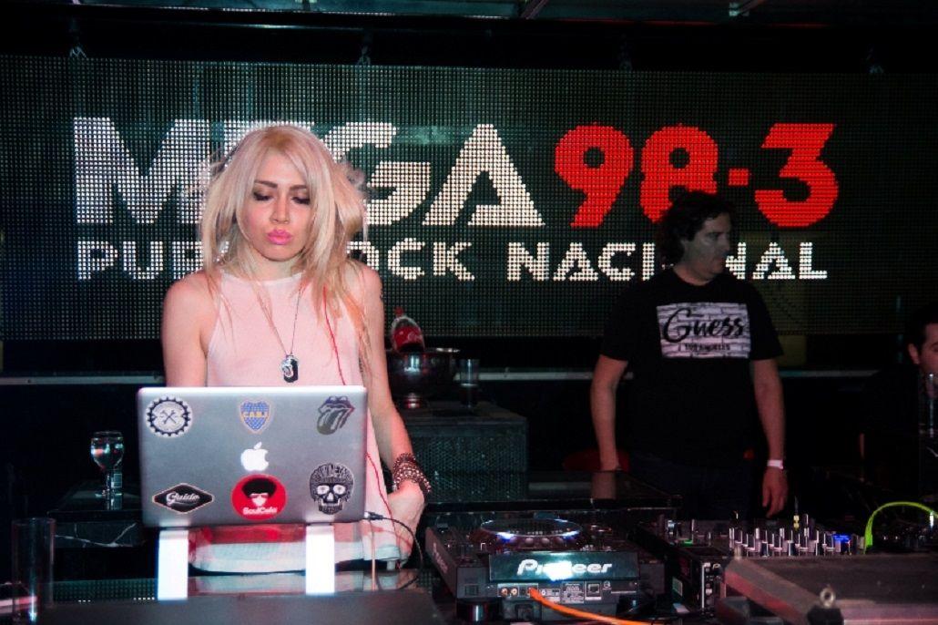 Milita Bora en la presentación de Mega