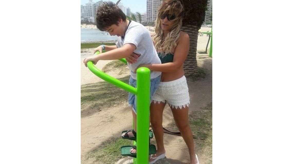Marcela Tauro de vacaciones con su hijo