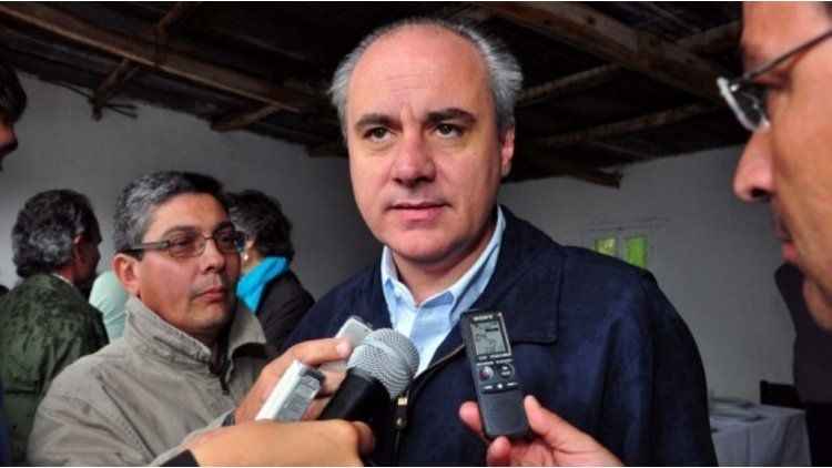 Bohe no pudo entrar y Das Neves advirtió: No nos tomen de idiotas