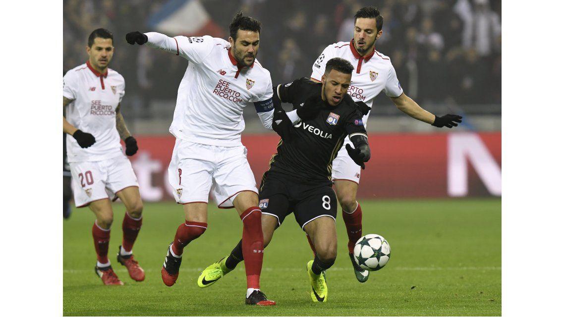 Sevilla igualó sin goles ante Lyon