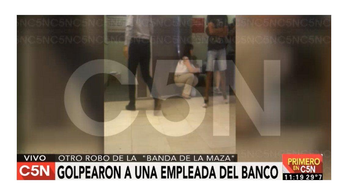 Golpe comando a un banco de Pilar: una empleada resultó herida