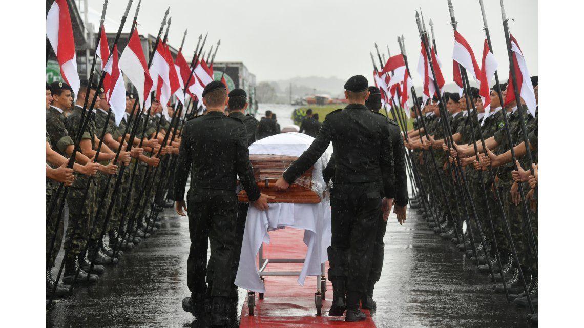 Trasladan los restos de las víctimas de Chapecoense