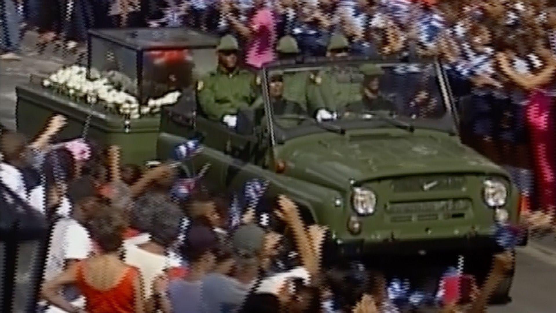 Los cubanos despiden a Castro