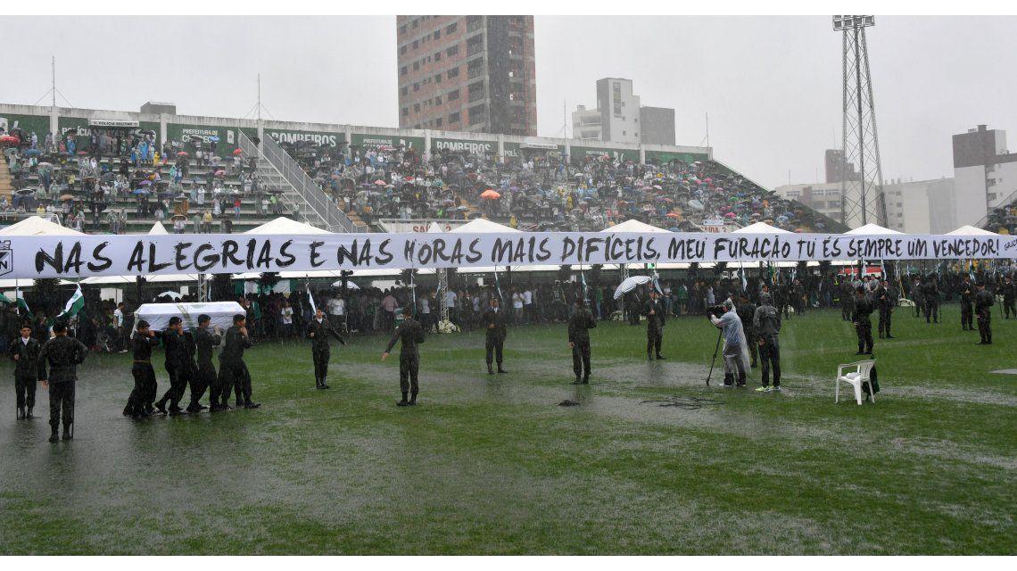 Los héroes de Chapecoense son despedidos