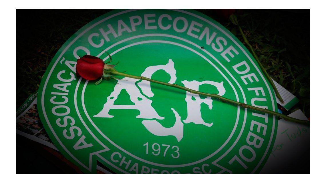 El recuerdo del dolor: Chapecoense modificó su escudo tras la tragedia