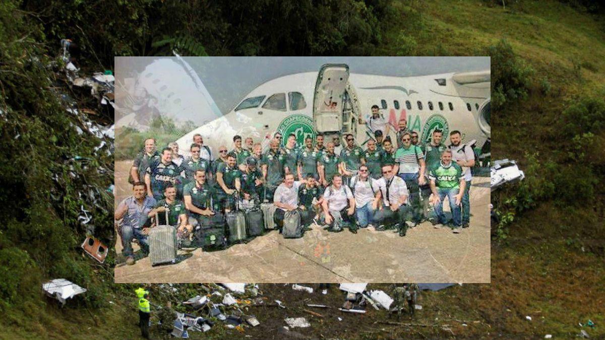 La última foto del plantel del Chapecoense antes de abordar el trágico vuelo