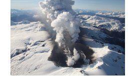 Volcán Hudson en plena actividad