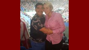 Maradona y Rocío Oliva, en la Copa Davis