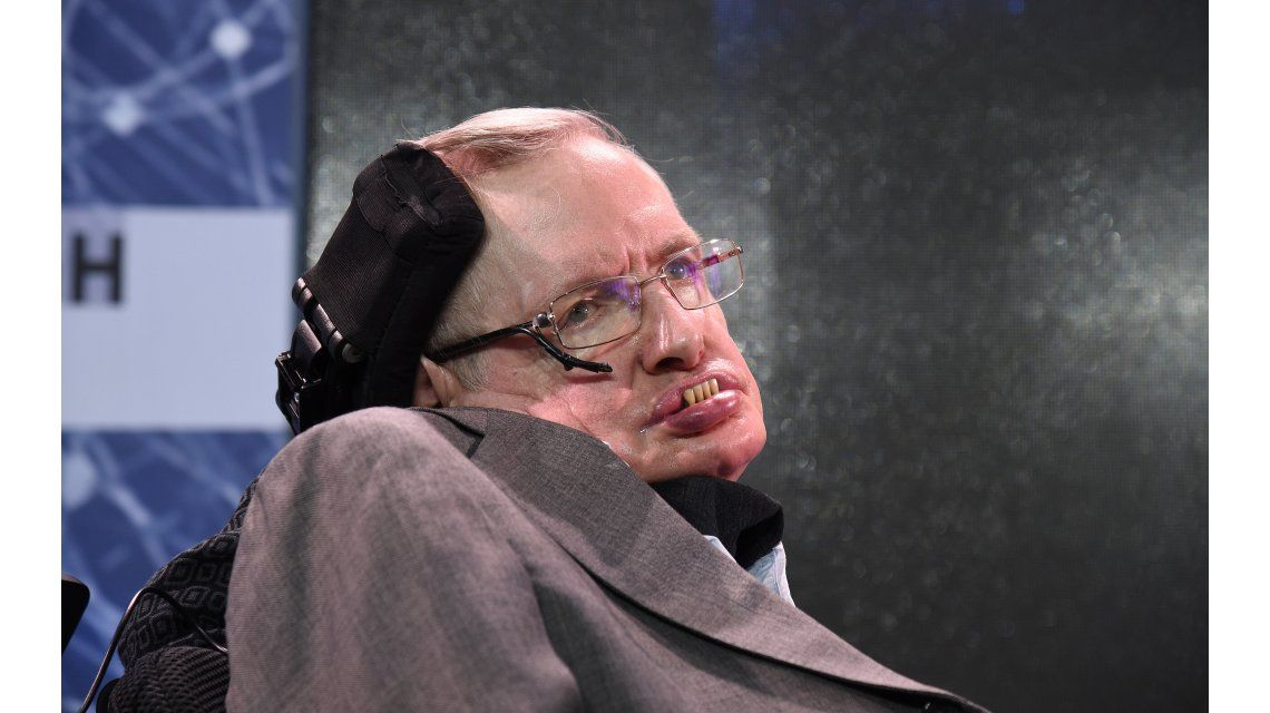 Stephen Hawking aseguró que millones de vidas están en peligro