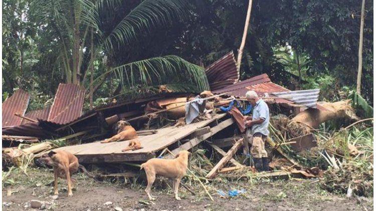 Anciano se negó a dejar sus perros por el huracán Otto