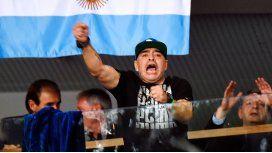 Diego Maradona, durante el partido de Delbonis en la final de la Copa Davis en Zagreb