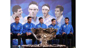 Los miembros del equipo argentino de Copa Davis, el capitán, Daniel Orsanic, y los jugadores, Juan Martín del Potro, FedericoDelbonis, Guido Pella y Leonardo Mayer